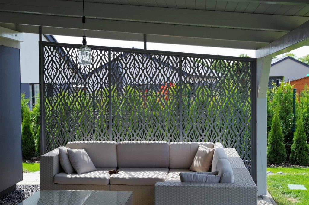 Zahradní a balkonové zástěny z hliníku